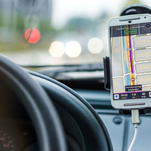 MObile map app for drivers mounted on the dashboard