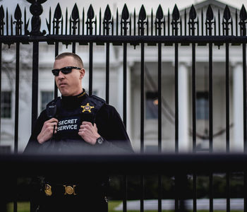 Secret Service Guards White House